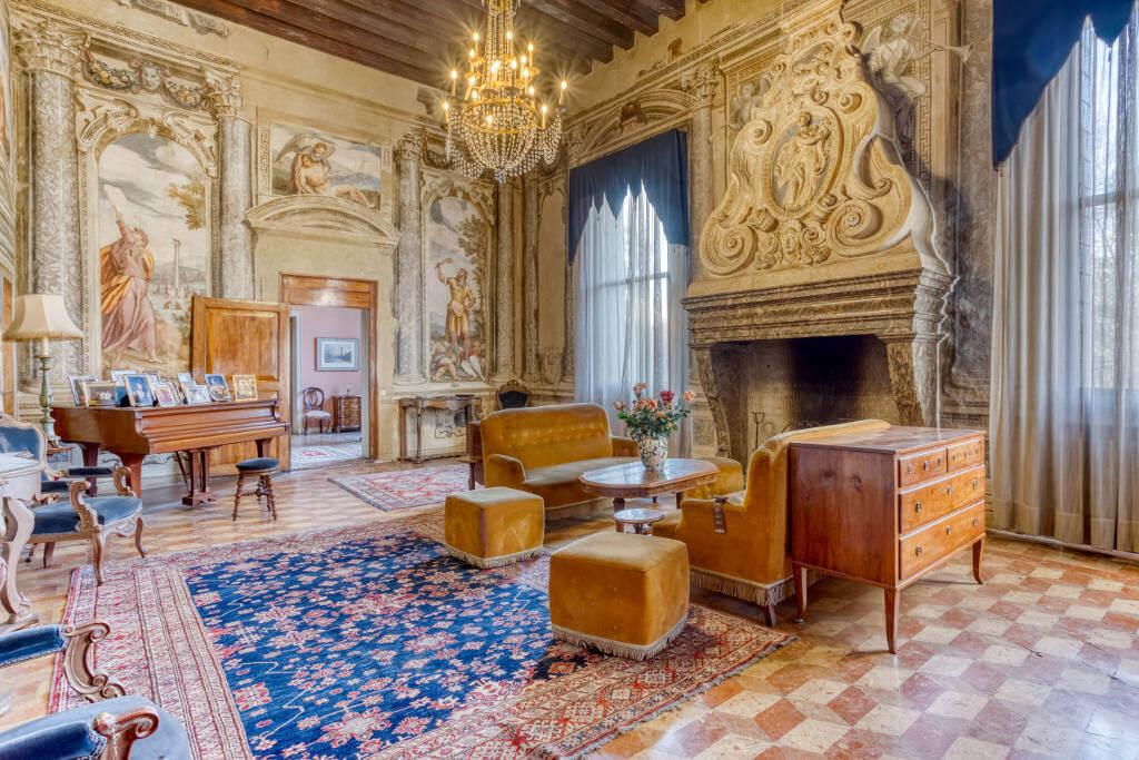 luxury villa in italy near venice
